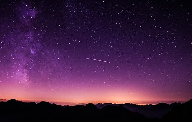 Die Sterne in Form einer echten Sternschnuppe als Geschenk vom Himmel holen