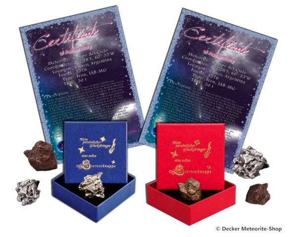 Glücksbringer-Sternschnuppe als Eisenmeteorit oder Steinmeteorit in roter oder blauer Glücksbringer-Geschenkbox mit Zertifikat und persönlicher Widmung
