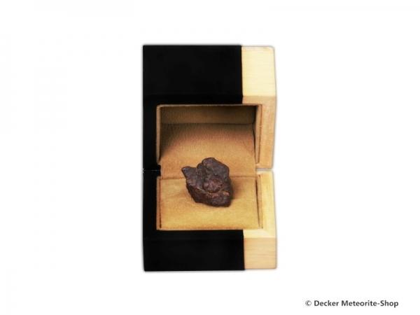Sternschnuppe z.B. zur Taufe als Steinmeteorit in Holz-Geschenkbox