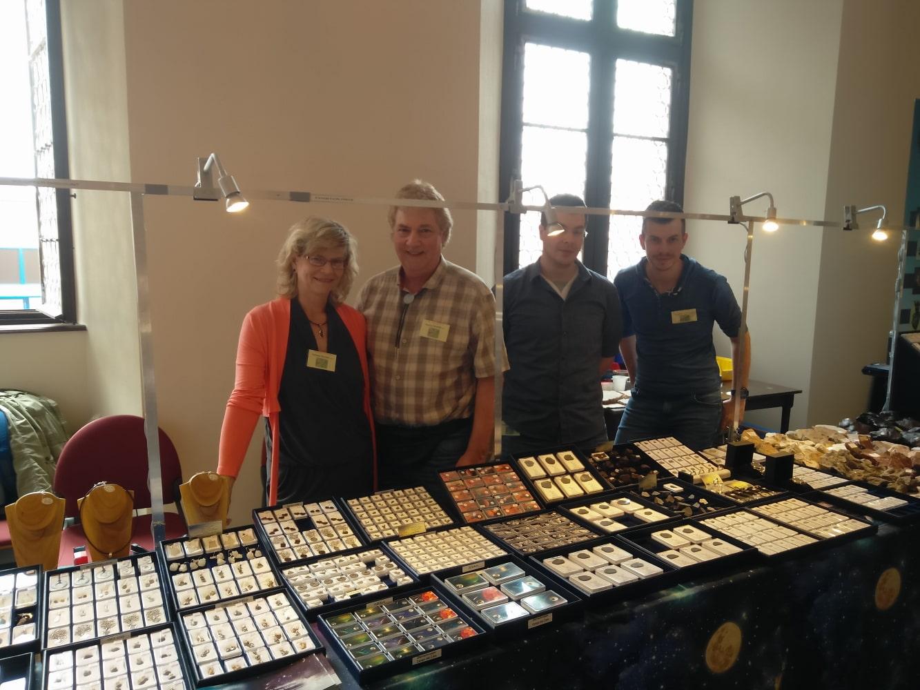 Team des Decker Meteorite-Shop von links nach rechts: Gabriele, Stephan, Benjamin und Christian Decker