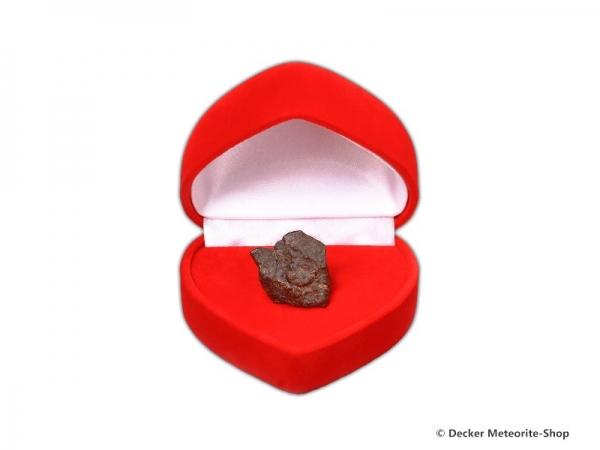 Sternschnuppe z.B. für die Freundin als Steinmeteorit in roter Herzbox