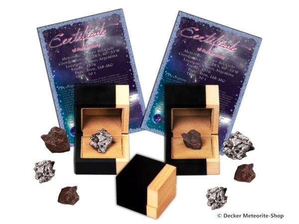 Sternschnuppe z.B. zur Taufe als Eisenmeteorit oder Steinmeteorit in Holz-Geschenkbox mit Zertifikat  und persönlicher Widmung