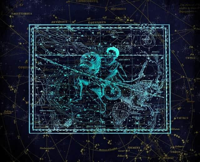 Sternschnuppennächte im Sternbild Wassermann: Jährlich wiederkehrend sind vom 12. Juli und 23. August die Sternschnuppen der Juli-Aquariiden (Delta-Aquariiden) im Sternbild Wassermann zu sehen.