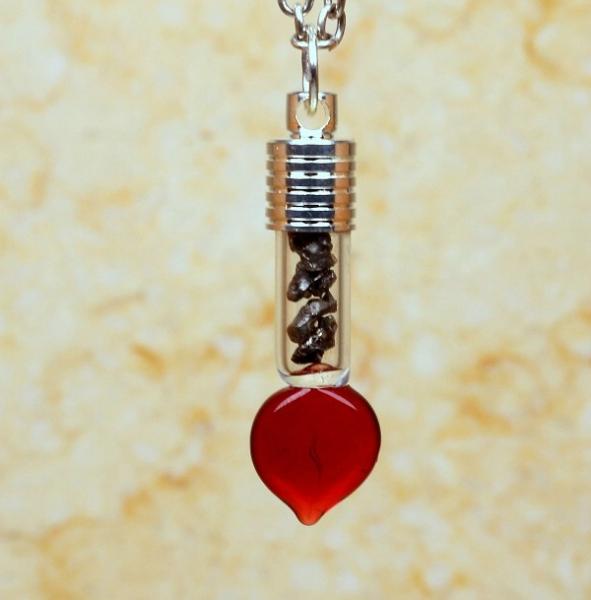 Sternschnuppen-Anhänger im Herztropfen-Design
