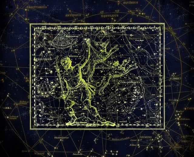 Sternschnuppennächte im Sternbild Bärenhüter: Jährlich wiederkehrend sind vom 28. Dezember bis 12. Januar die Sternschnuppen der Quadrantiden im Sternbild Bärenhüter zu sehen
