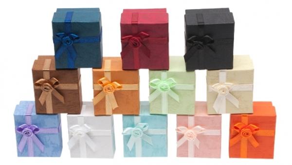 Farbreihenfolge: Blau, Bordeaux, Schwarz, Braun, Hellbraun, Mintgrün, Gelb, Flieder, Grau, Hellblau, Rosa, Orange