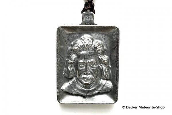 Stein-Eisen-Meteorit-Anhänger (Seymchan | Scheibe | Albert Einstein Carved Amulett) - 29,30 g