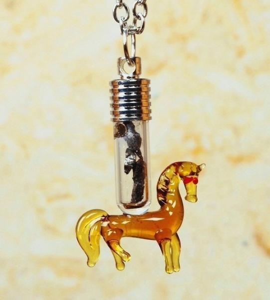 Sternschnuppen-Anhänger im Pferde-Design