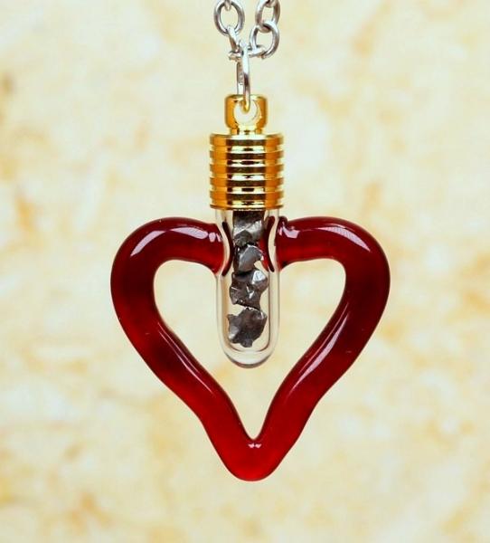 Sternschnuppen-Anhänger im Herz-Design