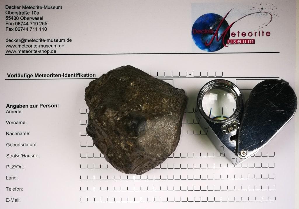 Bei uns können Sie Ihr Fundstück auf Echtheit prüfen und feststellen lassen ob es sich um einen echten Meteoriten handelt
