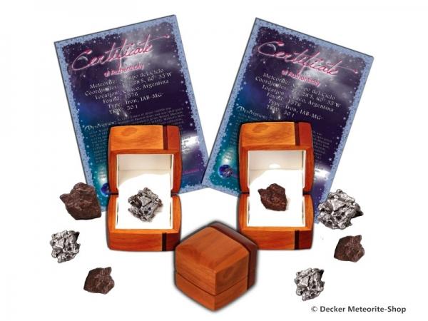 Sternschnuppe für besondere Anlässe als Eisenmeteorit oder Steinmeteorit in exklusiver Holz-Geschenkbox mit Zertifikat und persönlicher Widmung