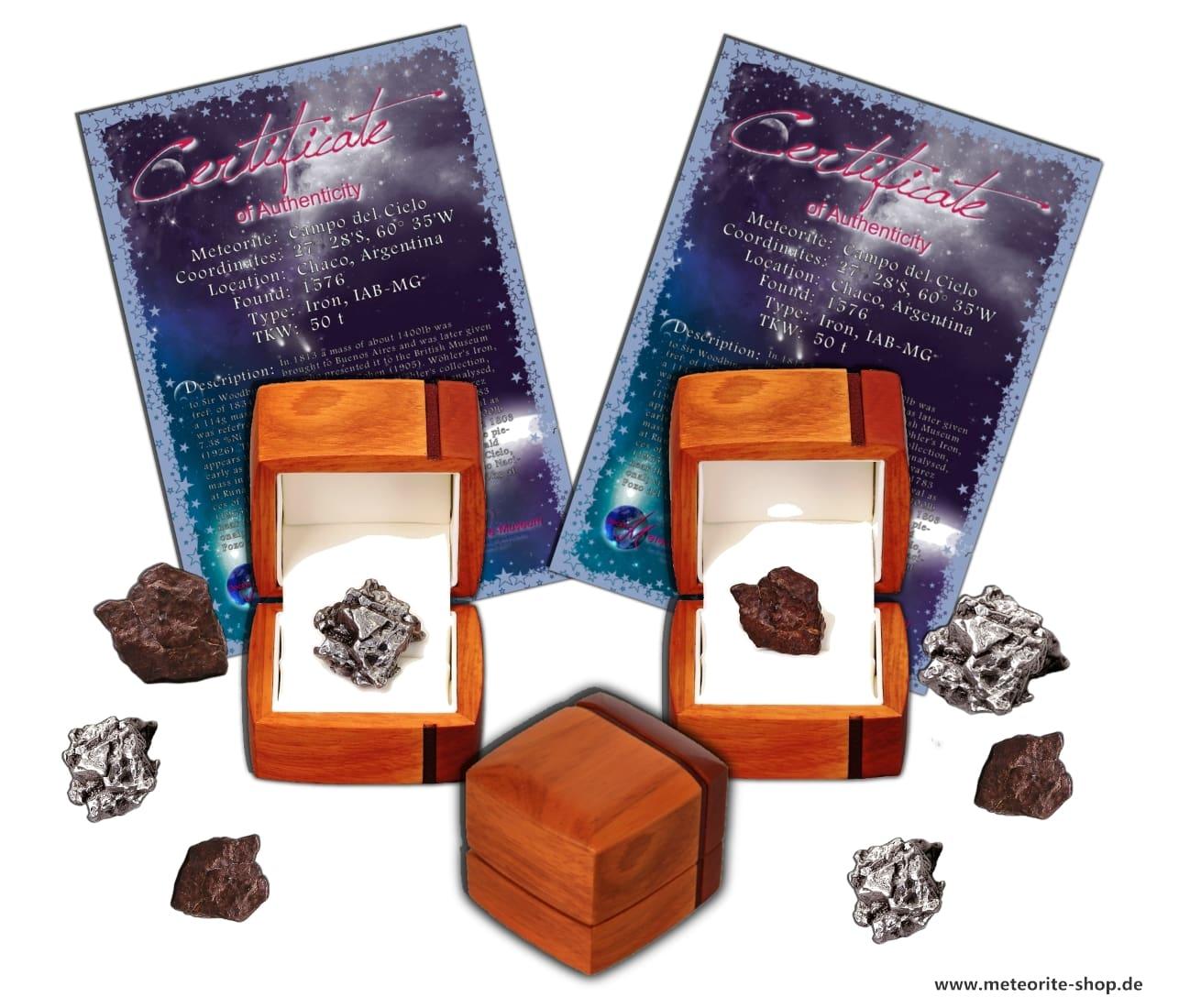 Personalisierte Sternschnuppe (Meteor) als echten Stein- oder Eisenmeteorit zum Verschenken.